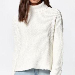 New Kendall & Kylie Turtleneck Sweater White creme